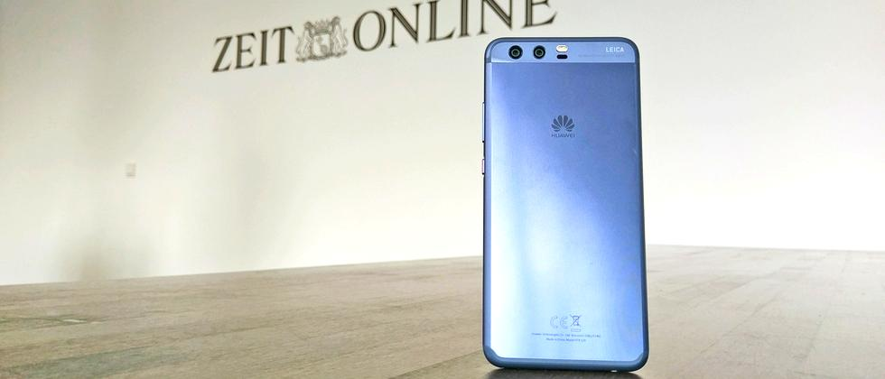 """Huawei P10 in """"Dazzling Blue"""""""