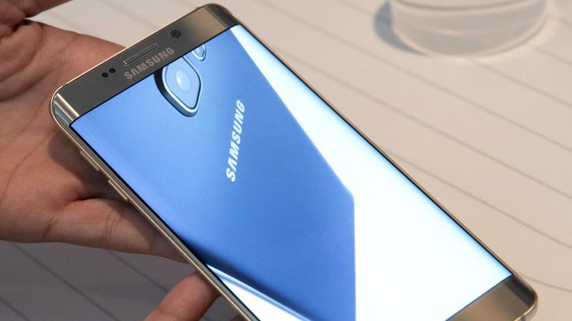 Samsung Galaxy S8: Schon beim Samsung Galaxy S6 Edge+ ging das Display über den Rand hinaus.