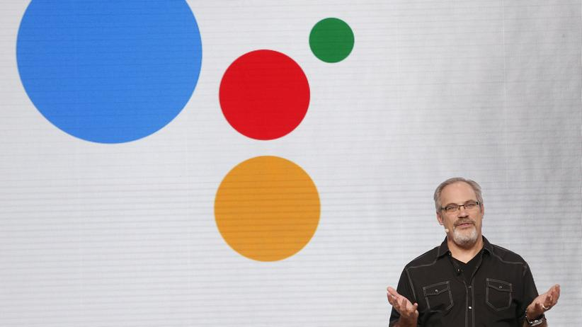 Google Assistant: Scott Huffman auf der Entwicklerkonferenz Google I/O 2016.