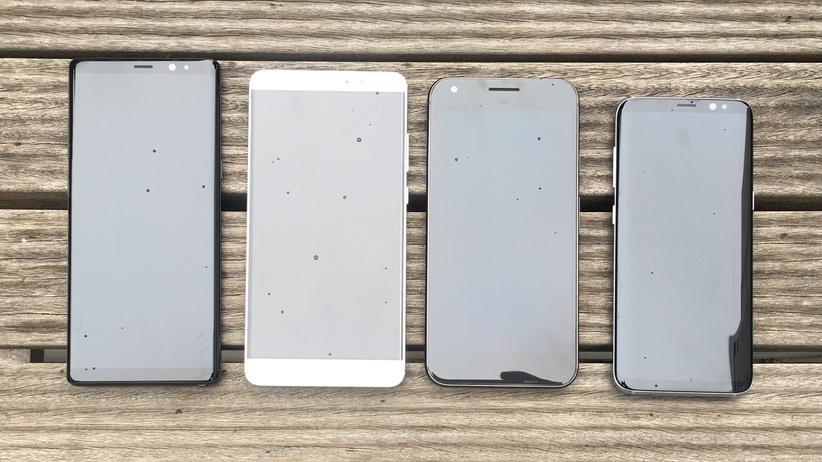 Größenvergleich v.l.n.r.: Samsung Galaxy Note 8, Huawei Mate 9, Google Pixel XL, Galaxy S8