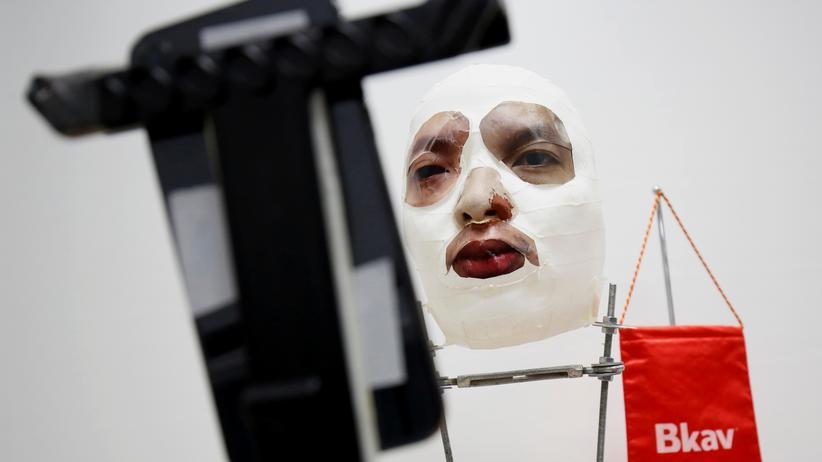 Die vietnamesische Firma Bkav hat Apples Face ID mit einer Maske überlistet