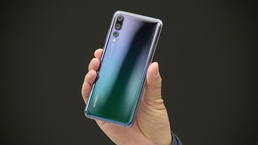 Huawei P20: Das Huawei P20 Pro in der Farbkombination Twilight.