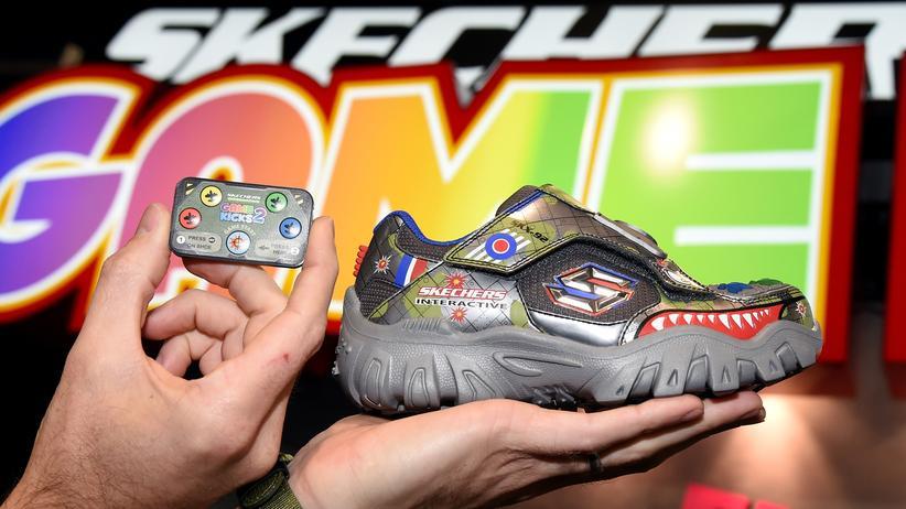 """Techniktrends: Darauf hat die Welt gewartet: ein vernetzter """"Game Shoe""""."""