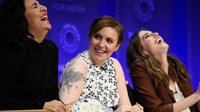 """Frauen: Wann immer es ernst zu werden droht, flüchten sich die Protagonistinnen aus der TV-Serie """"Girls"""" in die Ironie."""
