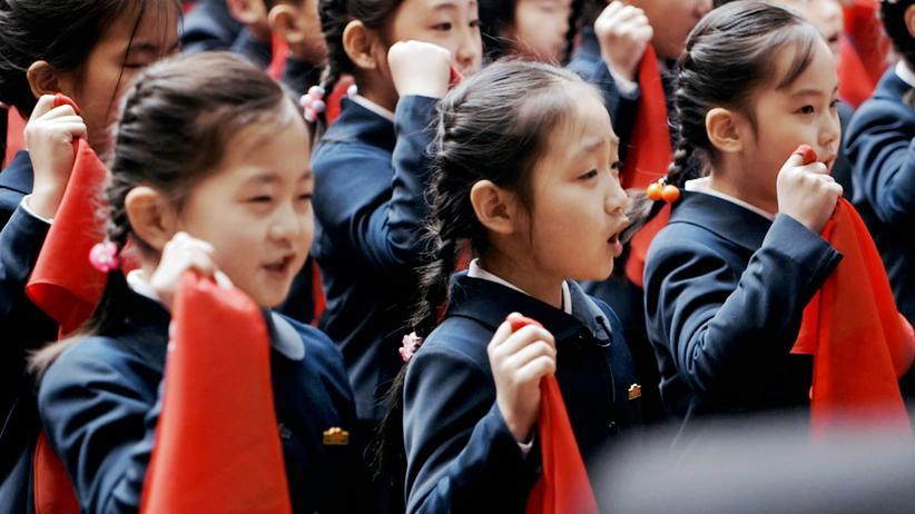 Nordkorea: Die Hauptfigur des Films: Zin-Mi mit rotem Pioniertuch