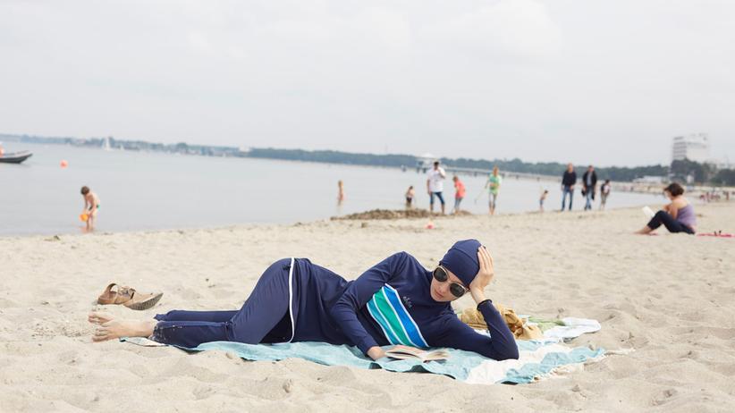 Strandkleidung: Im Burkini an die Ostsee