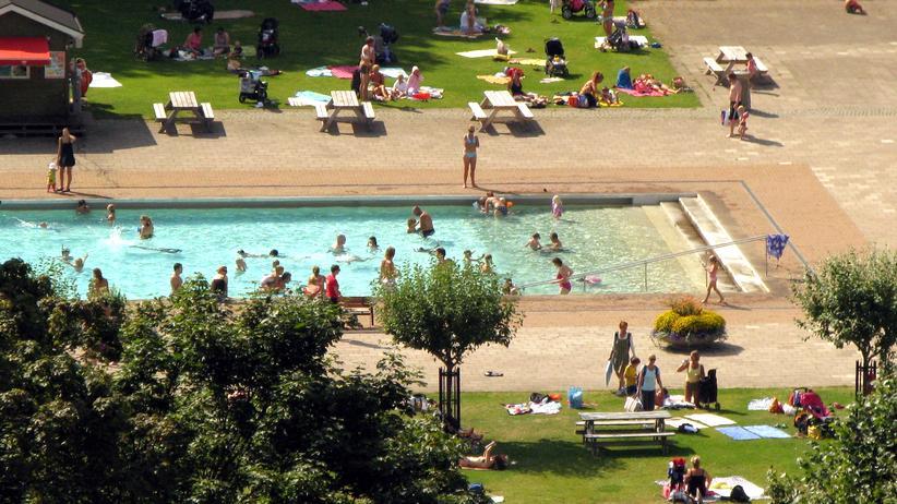 Schwimmbäder: Das Freibad: mal komisch, mal tragisch