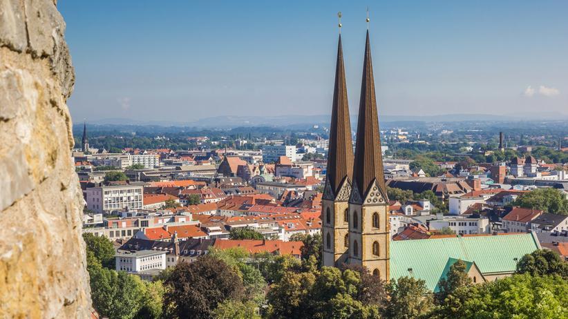 Bielefeld: Blick auf die Marienkirche und das historische Zentrum von Bielefeld