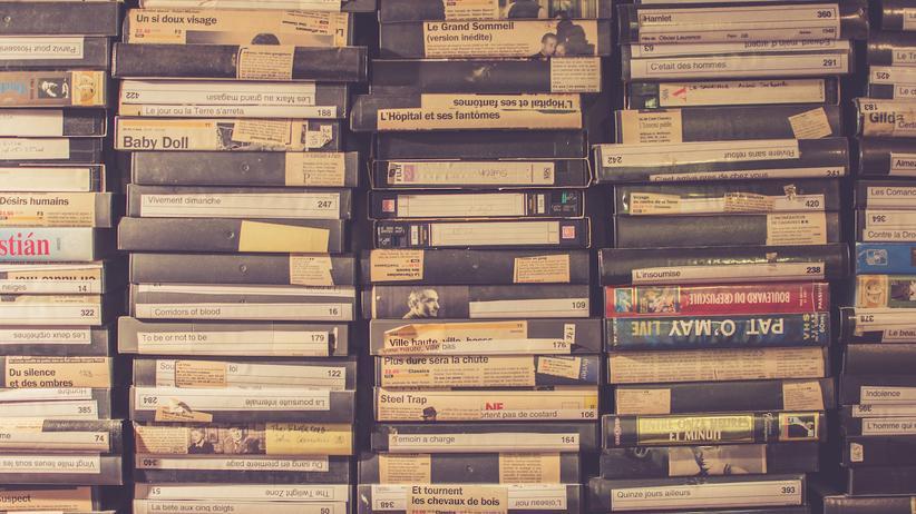 Ein Stapel Videokassetten