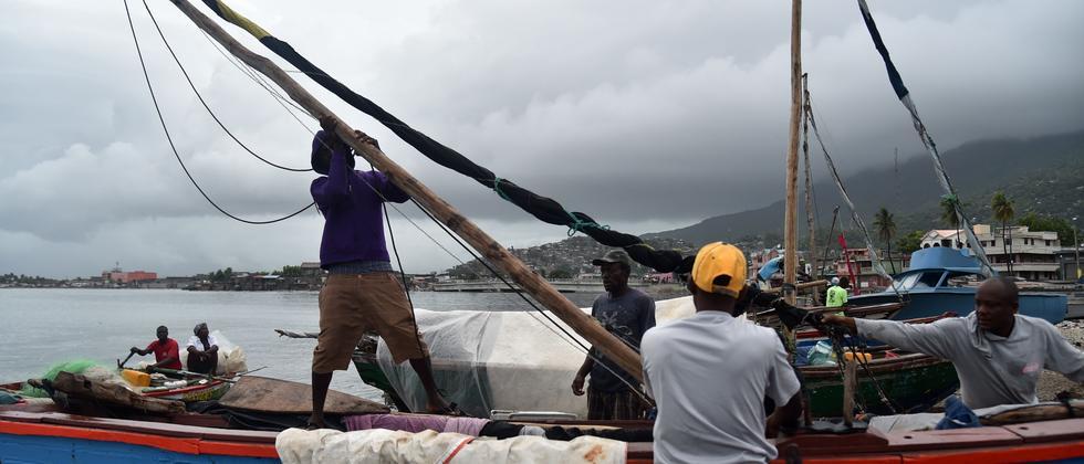 Fischer auf Haiti sichern ihre Boote