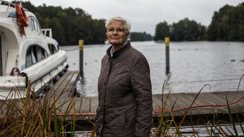 altersarmut-senioren-tagesausflug-busfahrt-berlin-neukoelln-Sigrid-Johannes