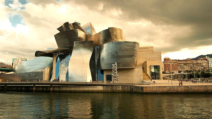 Bilbao-Effekt: Gebäude mit außergewöhnlicher Strahlkraft: das Guggenheim-Museum im spanischen Bilbao