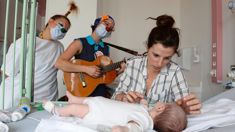 Krankenhausclown: Einer will feixen, der Nächste kämpfen