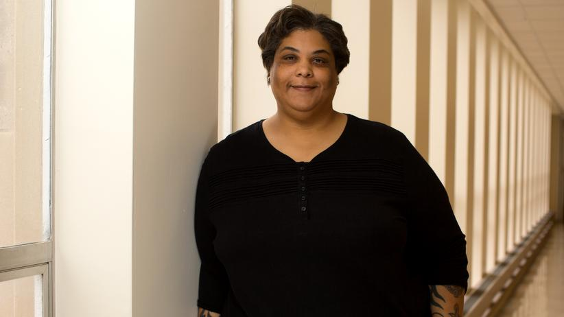 Roxane Gay: Roxane Gay, geboren 1974, ist eine US-amerikanische Autorin, Herausgeberin und Englischprofessorin haitianischer Abstammung.