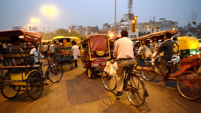 Indien: Alles ist im Fluss in Indien, nur der Verkehr nicht so richtig.