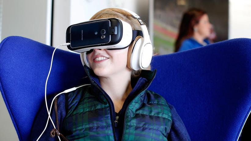 ITB: VR-Brillen schaffen die Illusion, sich in einem dreidimensionalen Raum zu bewegen.