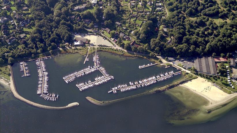 Schleswig-Holstein: So sieht Flensburgs Yachthafen aus der Luft aus.