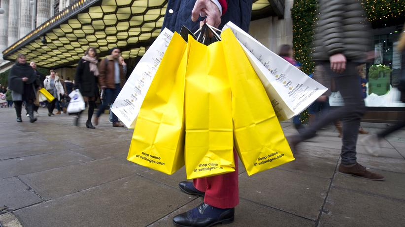 Oxford Street: In jeder Tüte Waren im Wert von mindestens 100 Euro.