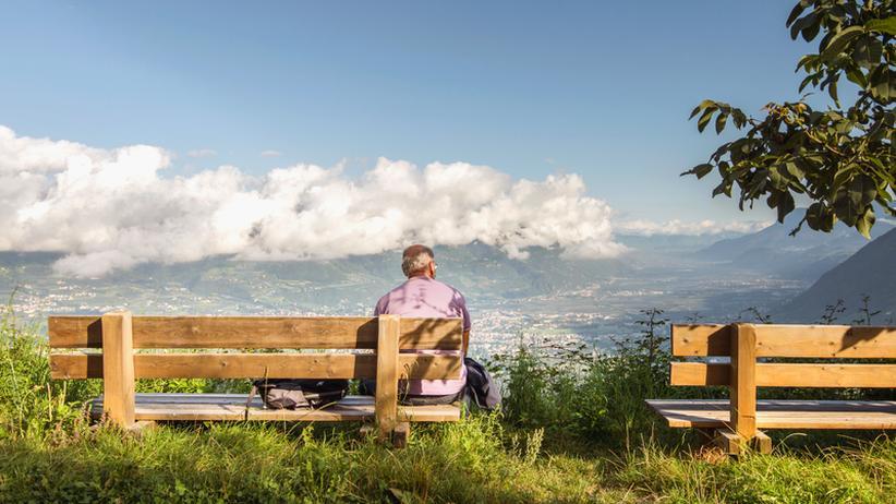 Meraner Höhenweg: Eine kurze Pause mit traumhaftem Blick