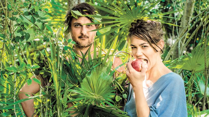 Paradies auf den Bahamas: Ronja von Rönne und Tilman Rammstedt im Garten Eden. Der ist nur mit dem Boot zu erreichen. Es gibt auf ihrer Insel zwei Strände, eine kleine Bucht. Der Rest ist Urwald.