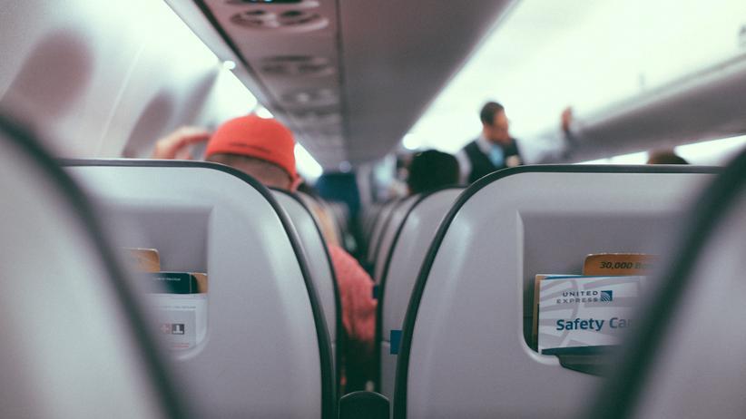 AirlineCheckins: Beinfreiheit beim Check-in