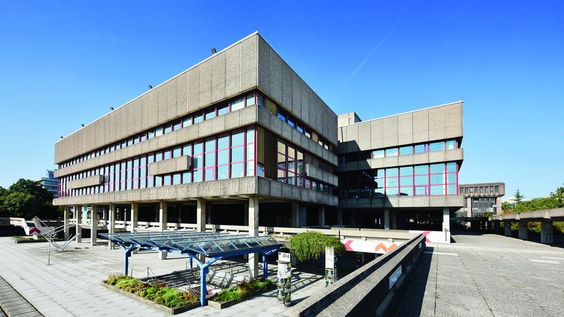 Ruhrgebiet: Hinter der brutalistischen Fassade der Ruhr-Universität verbergen sich eine Antikensammlung und Meisterwerke der zeitgenössischen Kunst