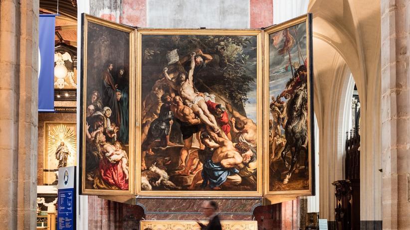 Antwerpen Rubens' dramatische Kreuzaufrichtung von 1609/10 in der Liebfrauenkathedrale.