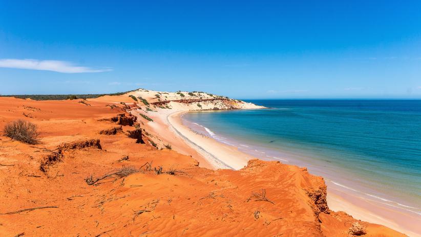 Outback: Australiens Westen: Eintönig rot an Land, bunt unter Wasser
