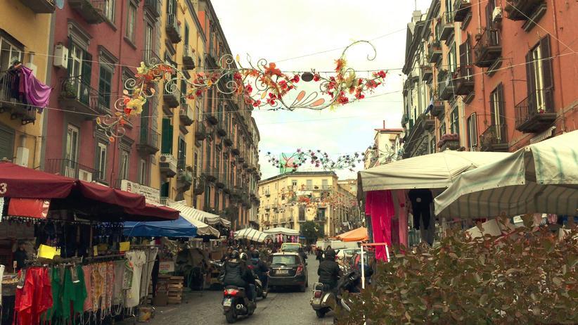 Neapel: Die Via Vergini in Neapel