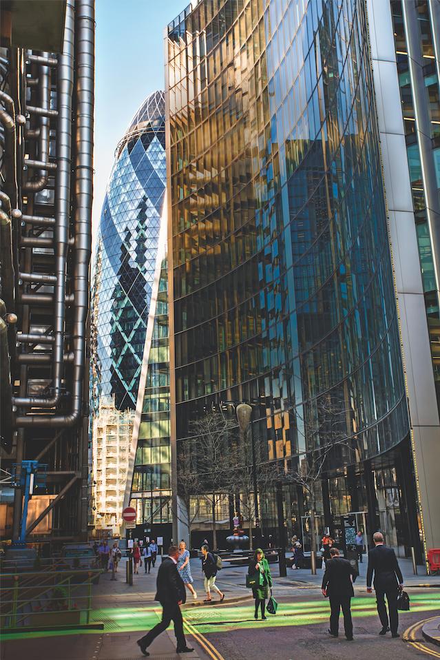 """City of London: """"Gurke"""" in der Geldfabrik: Das wegen seiner Form """"The Gherkin"""" genannte Gebäude ist das markanteste der City und Sitz des Finanzriesen """"Swiss Re""""."""