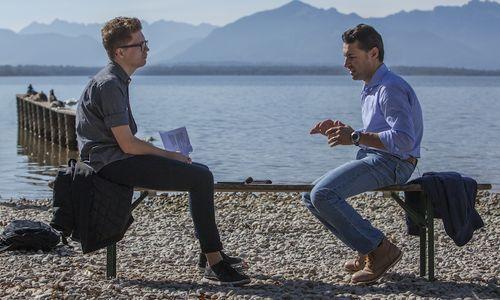Wer darf leben?: ZEIT ONLINE-Redakteur Sven Stockrahm (links) im Gespräch mit Richard Erdinger