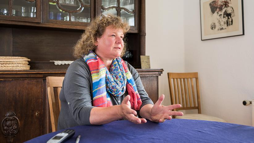 For six years, Astrid Schukat was a deportation monitor at the Hamburg airport.