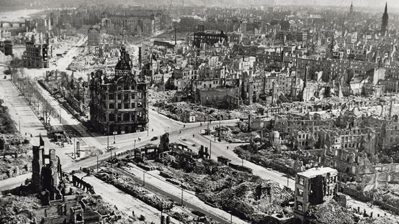 Das Zentrum Dresdens nach seiner Zerstörung durch die Alliierten