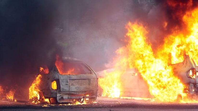 Der neue Klassenkampf: Autos brennen in Hamburg