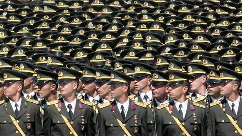 """Männerbild in der Türkei: """"Jeder Türke ist ein Soldat"""""""