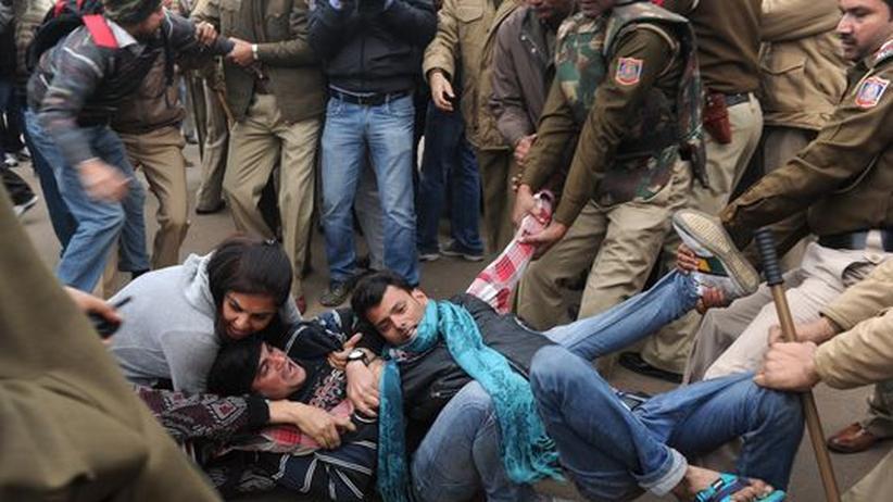 Indien: Journalist bei Protest gegen sexuellen Missbrauch getötet