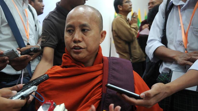 Myanmar: Ashin Wirathu zählt zu den Anführern der buddhistischen Mönche, die in Myanmar Moscheen zerstören und Muslime ermorden.