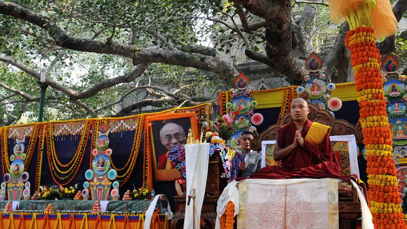 Buddhismus: Orgyen Trinle Dorje, der 17. Karmapa, während einer Zeremonie im nordindischen Bundestaat Bihar im Januar 2014