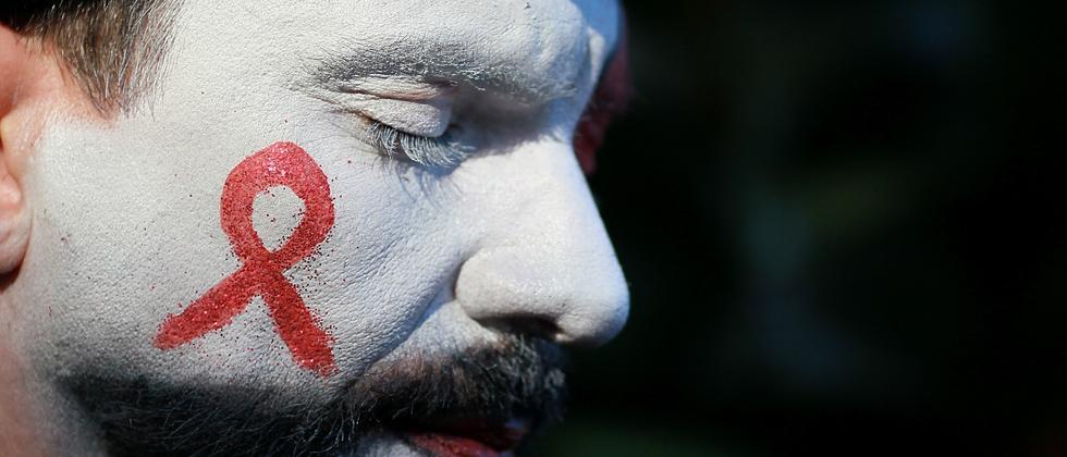 Zeichen setzen im Kampf gegen Aids