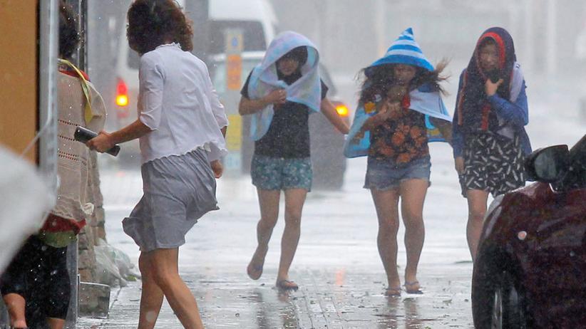 Okinawa: Taifun bedroht 500.000 Japaner