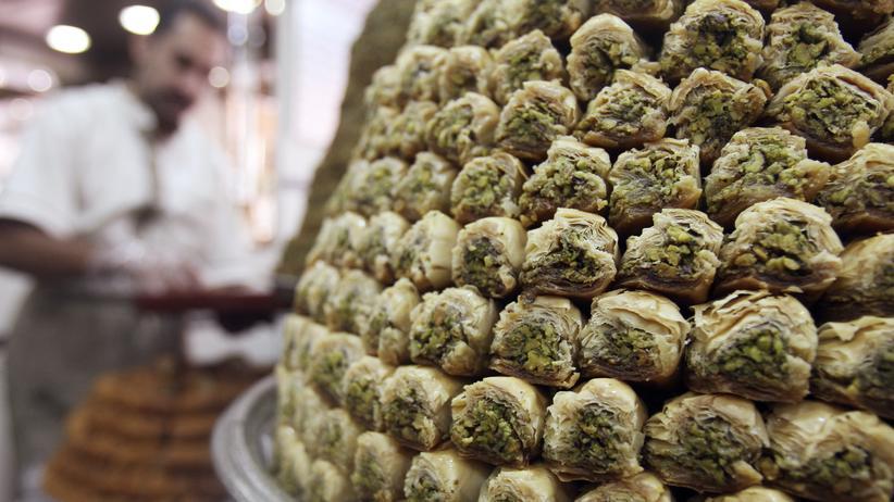 Baklava, süßes Gebäck mit Nüssen und Sirup, wird traditionell zum Zuckerfest gegessen.