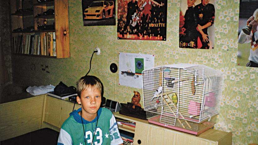 Autor Christian Bangel, 1992 in seinem Kinderzimmer