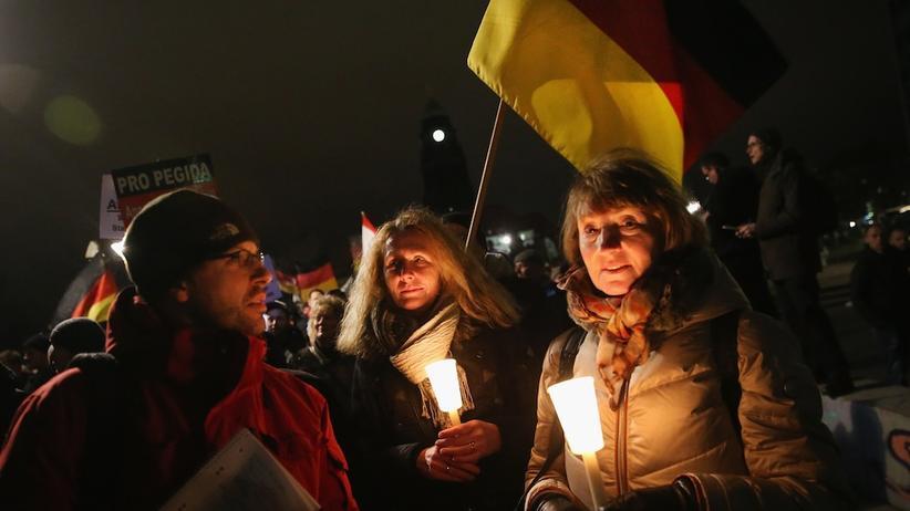 Teilnehmer einer Pegida-Demonstration in Dresden