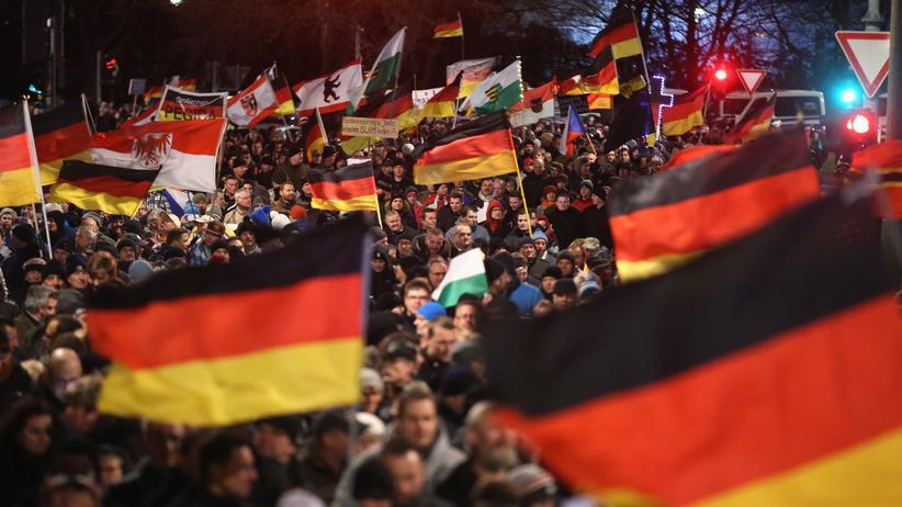 Dresden: Pegida-Anhänger in Dresden