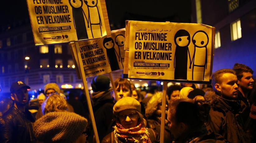 Terror in Kopenhagen: Gesellschaft, Terror in Kopenhagen, Gewalt, Terrorismus, Medien, Amoklauf, Anschlag, Polizei, Kopenhagen, Paris