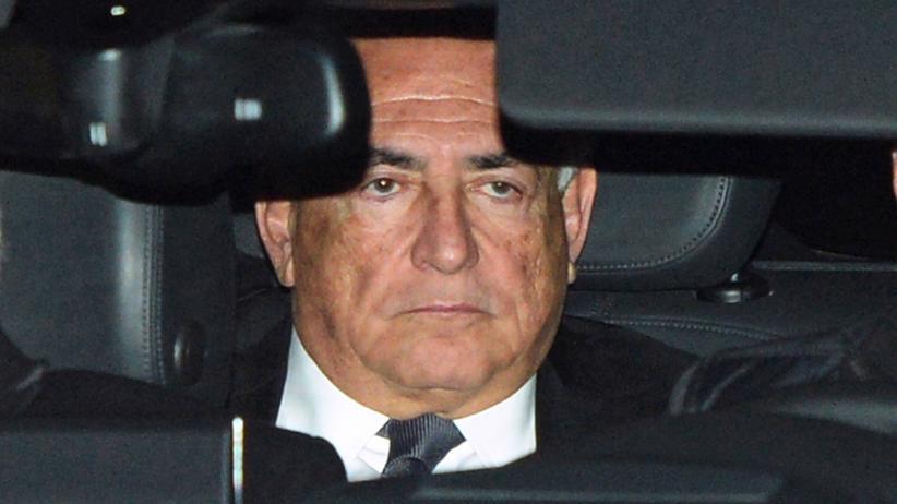 Ehemaliger IWF-Chef Dominique Strauss-Kahn vor seinen Gerichtsverhandlungen in Lille