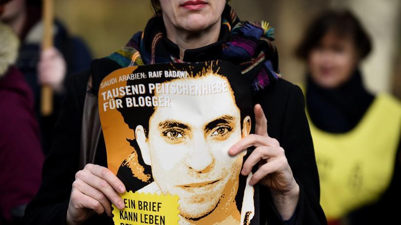 Raif Badawi: Prügelstrafe für saudischen Blogger erneut ausgesetzt