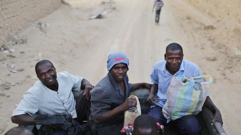 Gesellschaft, Flüchtlinge, Bootsflüchtling, Flüchtling, Libyen, Syrien, Europa, Mittelmeer, Italien, Mali, Nigeria, Afrika, Sahara