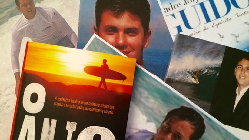 Rio de Janeiro: Der Heilige Surfer von Ipanema