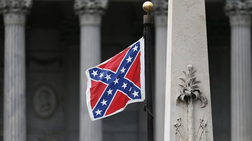Charleston-Massaker: Südstaaten-Flagge vor dem Kapitol in Columbia, der Hauptstadt des US-Bundesstaats South Carolina